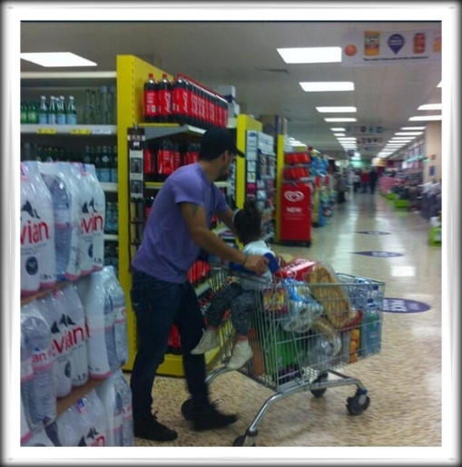 Suarez Shopping in Liverpool Arsenal Wenger transfer